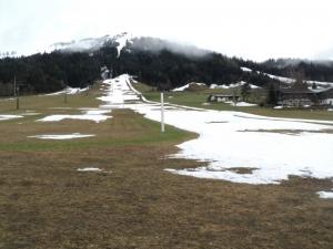 24-04-2012-bild-2-skigebiet-von-unten
